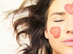 מסכת פנים, פילינג, קרם וסרום המדריך שעושה סדר במוצרי הטיפוח לעור הפנים