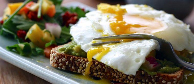 איך אוכלים בחוץ ארוחות בריאות?